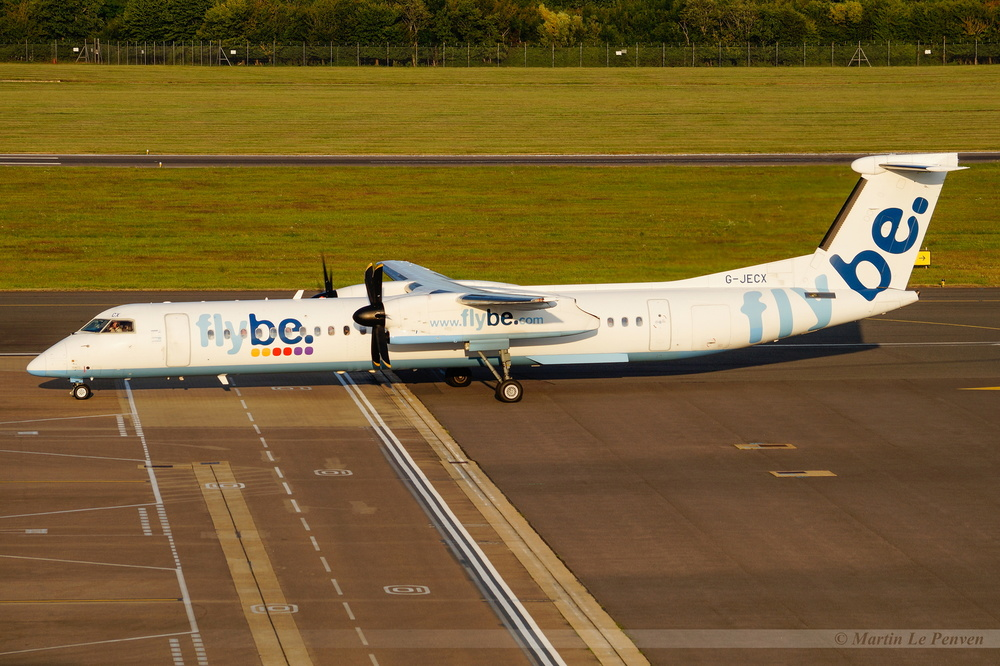 Bombardier Dash 8-Q402 Flybe G-JECX